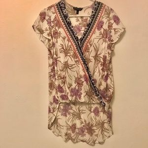 EXPRESS | Detailed Blouse
